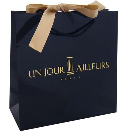 Luxury paper bags with hot stamping logo and ribbon closure